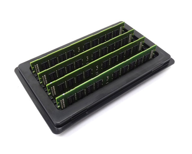 4x8GB 32GB PC3-10600R 1333MHz DDR3 ECC Registered Memory Kit for a IBM System x iDataPlex dx360 M3 Server Certified Refurbished